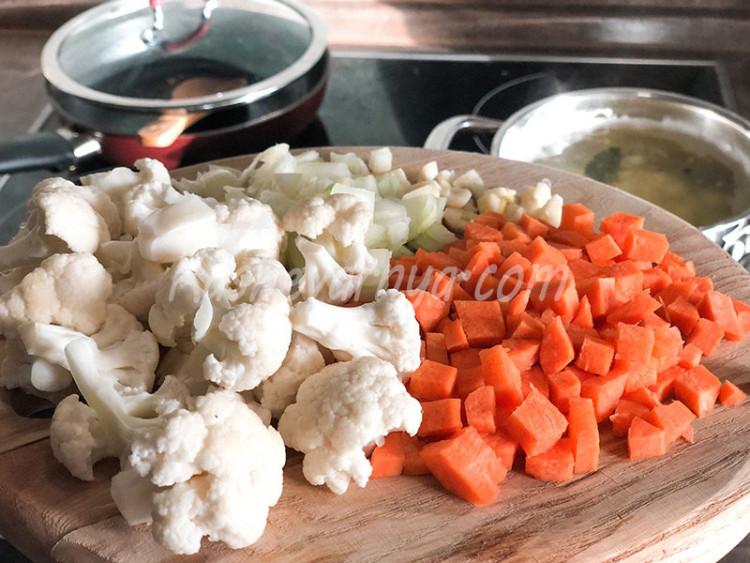 Суп из красной рыбы и цветной капусты