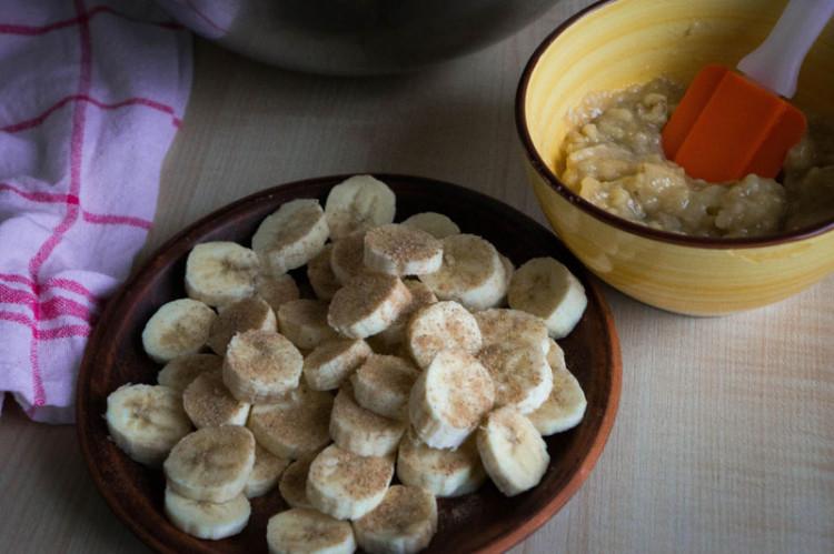 Шарлотка с бананами