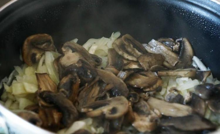 Тушеная капуста с грибами пошаговый рецепт