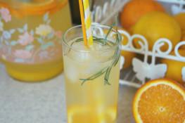 Домашний апельсиновый лимонад с розмарином