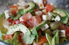 Салаты с авокадо вкусные простые рецепты