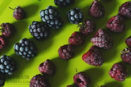 Как замораживать ягоды в морозилке
