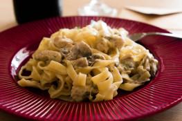 Как приготовить пасту с грибами и курицей