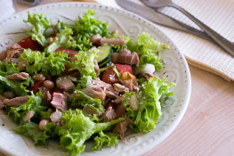 Салат с тунцом консервированным простой рецепт