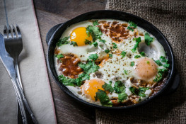 Что приготовить на завтрак из яиц?